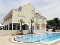 Apartments Villa Kaštel Povljana holiday island Pag with swimming pool Croatia
