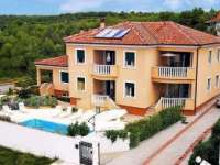 Apartments Edi Skroče, accommodation with swimmingpool, holiday in Zadar Croatia
